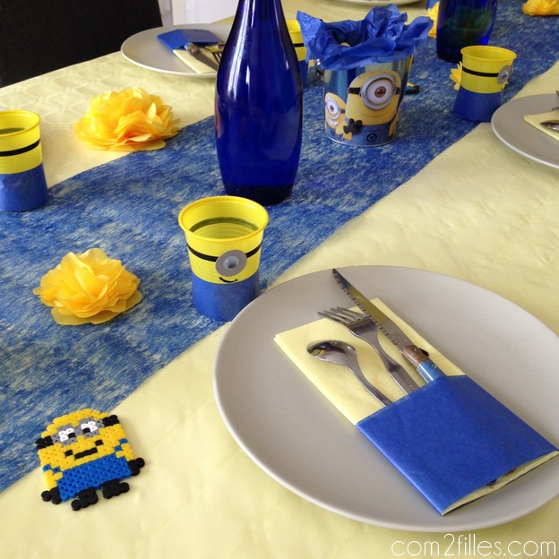 deco de table - anniversaire minions - serviettes