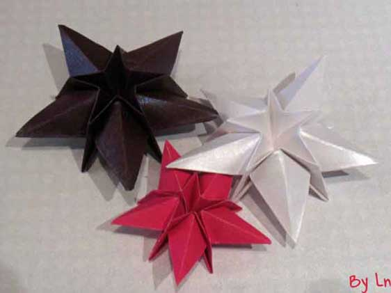 decoration de noel en papier origami. Black Bedroom Furniture Sets. Home Design Ideas