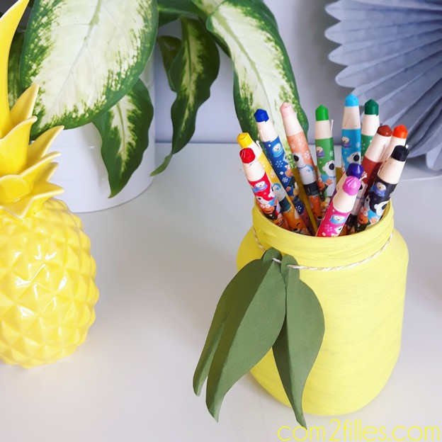 DIY pot a crayons - citron