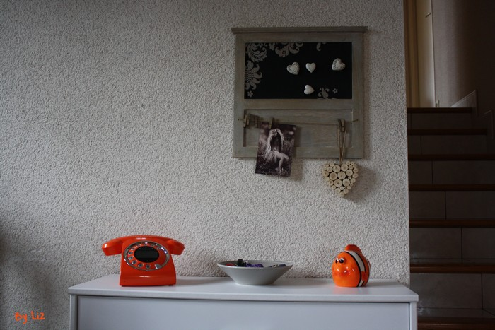 telephone-orange-sixty1