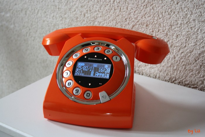 telephone-orange-sixty2